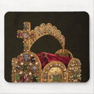 Imperialistisk krona som göras för coronationen av musmatta