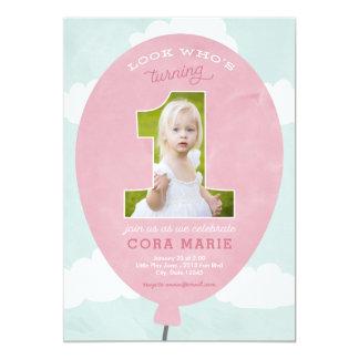 Inbjudan för foto för födelsedag för rosaballong