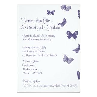 Inbjudan för lila- och vitfjärilsbröllop