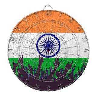 Indien flagga med åhörare piltavla