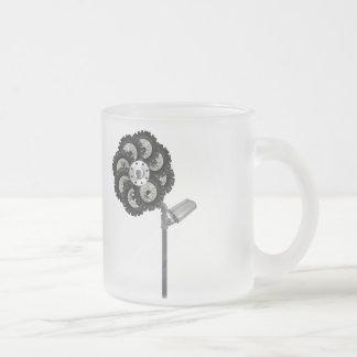 Industriell blomma frostad glasmugg