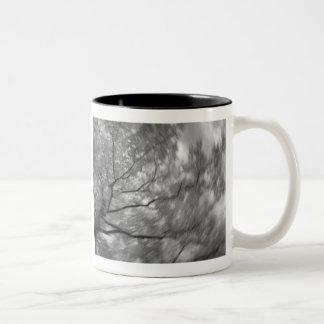 infrarött träd Två-Tonad mugg