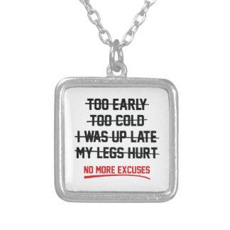 Inga mer ursäkter halsband med fyrkantigt hängsmycke