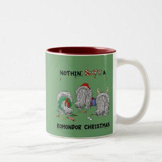 Ingenting knuffar en Komondor jul Två-Tonad Mugg