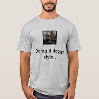 ingenuity-dog-pee1 som gör det vovvestil. t shirts