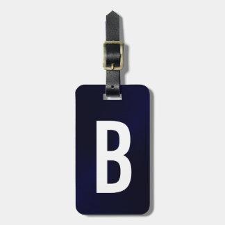 Initial marinblå borstad metallisk Monogram Bagagebricka