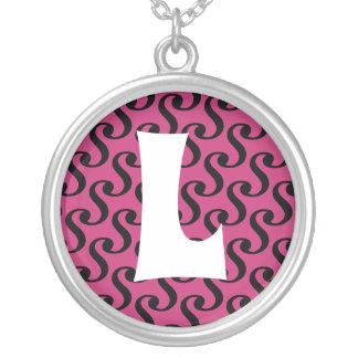 Initial Monogram för Groovy magentapersonlig Silverpläterat Halsband