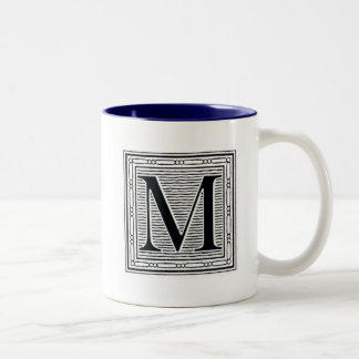 """Initial träkloss för träsnitt för kvarterbrev """"M"""" Två-Tonad Mugg"""