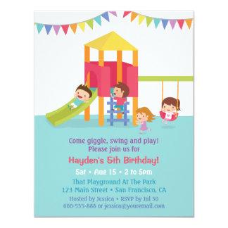 Inomhus inbjudningar för lekplatsbarns