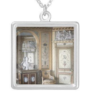 Insida av boudoiren av Marie Antoinette Silverpläterat Halsband