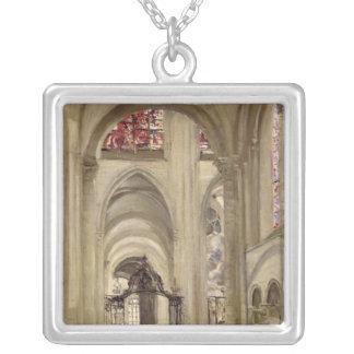 Insida av domkyrkan av St Etienne, Sens Silverpläterat Halsband