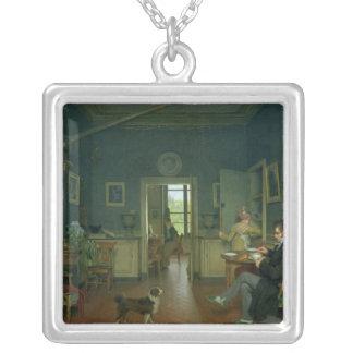 Insida av en matsal, 1816 silverpläterat halsband
