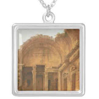Insida av tempelet av Diana på Nimes, 1787 Silverpläterat Halsband