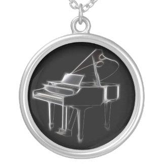 Instrumenterar musikaliskt klassiskt för flygel halsband med rund hängsmycke