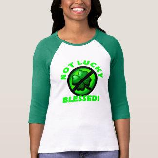 Inte lyckligt - välsignat! t-shirt