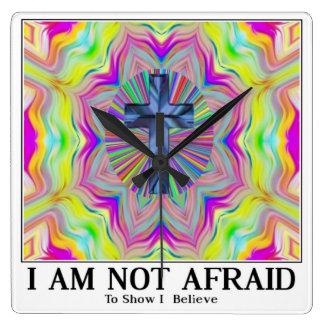 inte räddt att visa tror jag i gud fyrkantig klocka