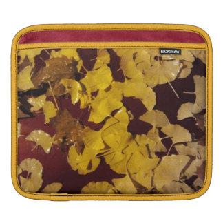ipad sleeve med gula löv