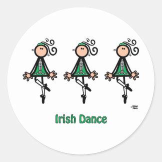 Irländsk dans runt klistermärke
