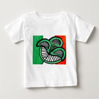 Irländsk flaggaklöver tee shirt