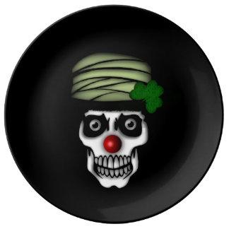 Irländsk skelett- clown porslinstallrik