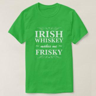 Irländsk Whiskey gör mig yster T-shirt