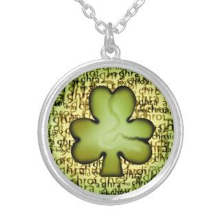 Irländskt Shamrockhänge Silverpläterat Halsband