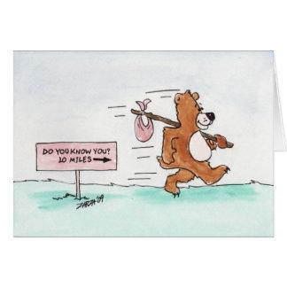 Irrande björn (födelsedagkortet) hälsningskort