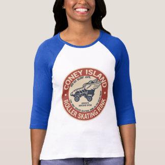Isbana för rulle för vintageConeyö T-shirts