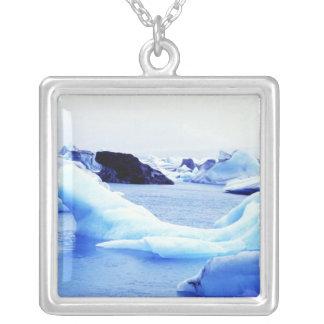 Isberg på den Jokulsarlon lagunen Silverpläterat Halsband