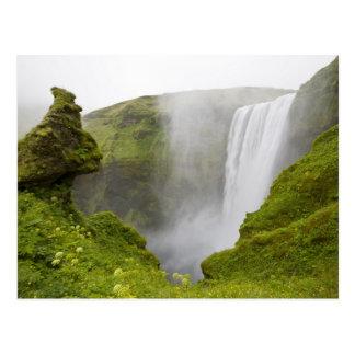 Island. Skogarfoss vattenfalldykningar över a Vykort