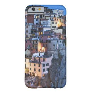 Italien Manarola. Skymningnedgångar på en backtown Barely There iPhone 6 Fodral