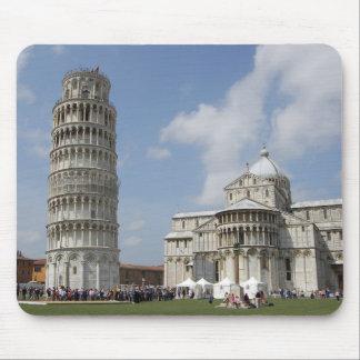 Italien Pisa. Lutande torn av Pisa och Mus Matta
