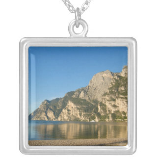 Italien Riva del Garda, sjö Garda, montering Silverpläterat Halsband