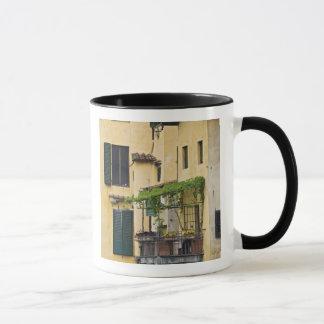 Italien Tuscany, Florence. Balkong och Mugg