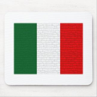 Italienflaggaormen flår musmatta
