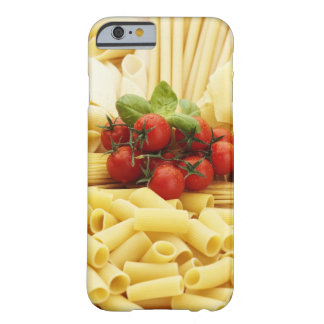Italiensk cuisine. Pasta och tomatoes. Barely There iPhone 6 Skal