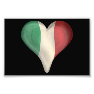 Italiensk flagga i en hjärta konstfoto