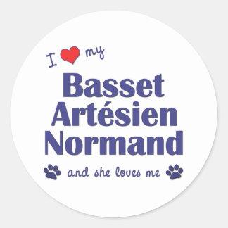 Jag älskar min Basset Artesien Normand (den Runt Klistermärke