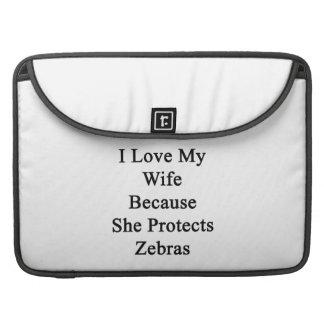 Jag älskar min fru därför att hon skyddar zebror sleeves för MacBook pro