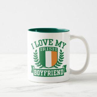 Jag älskar min irländska pojkvän Två-Tonad mugg