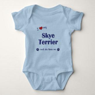 Jag älskar min Skye Terrier (den kvinnliga hunden) T-shirts