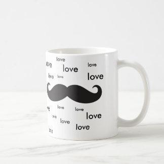 Jag älskar mustaches. vit mugg