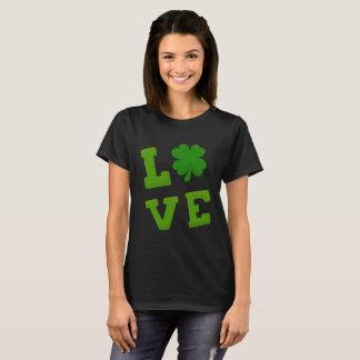 Jag älskar st patrick's dayshamrocken tee shirts