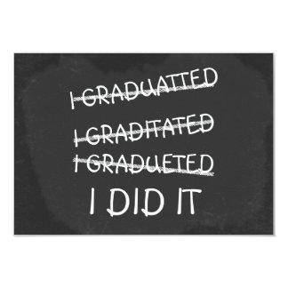 Jag avlade examen den roliga svart tavlan för 8,9 x 12,7 cm inbjudningskort