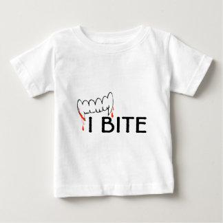 Jag biter (tänder och blod) tshirts