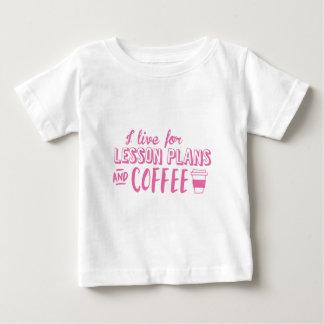 jag bor för kurs planerar och kaffe tee shirt