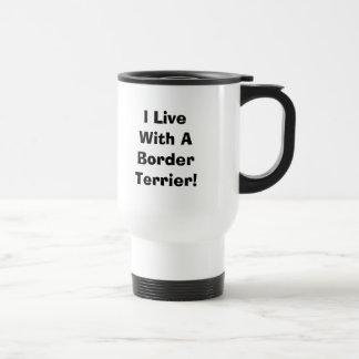 Jag bor med en gränsTerriertravel mug Resemugg