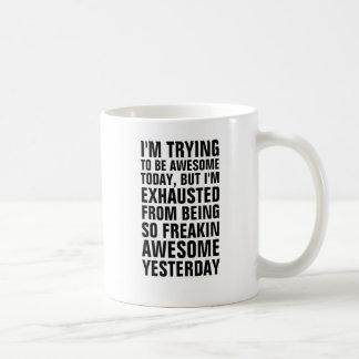 Jag den pröva förmiddagen som är den enorma kaffemugg