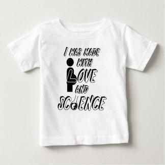 Jag gjordes med kärlek och vetenskap tee shirts