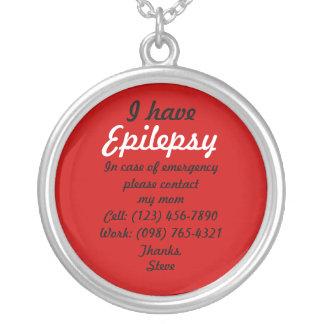 Jag har epilepsihalsbandet halsband med rund hängsmycke